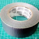 ダクトテープは手軽で便利な万能補修材だ!