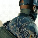 Watch Dogs 2の主人公マーカス・ホロウェイの、サイバーパンクなファッション&持ち物チェック!