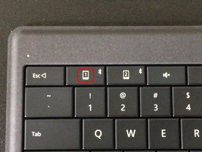 Microsoft Universal Foldable Keyboard_i