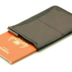 ミニマルでスタイリッシュなパスポートケース「Bellroy Passport Sleeve」
