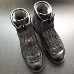 「セメダイン 靴用補修剤 シューズドクターN」で、すり減ったダナーライト改のソールを補修する